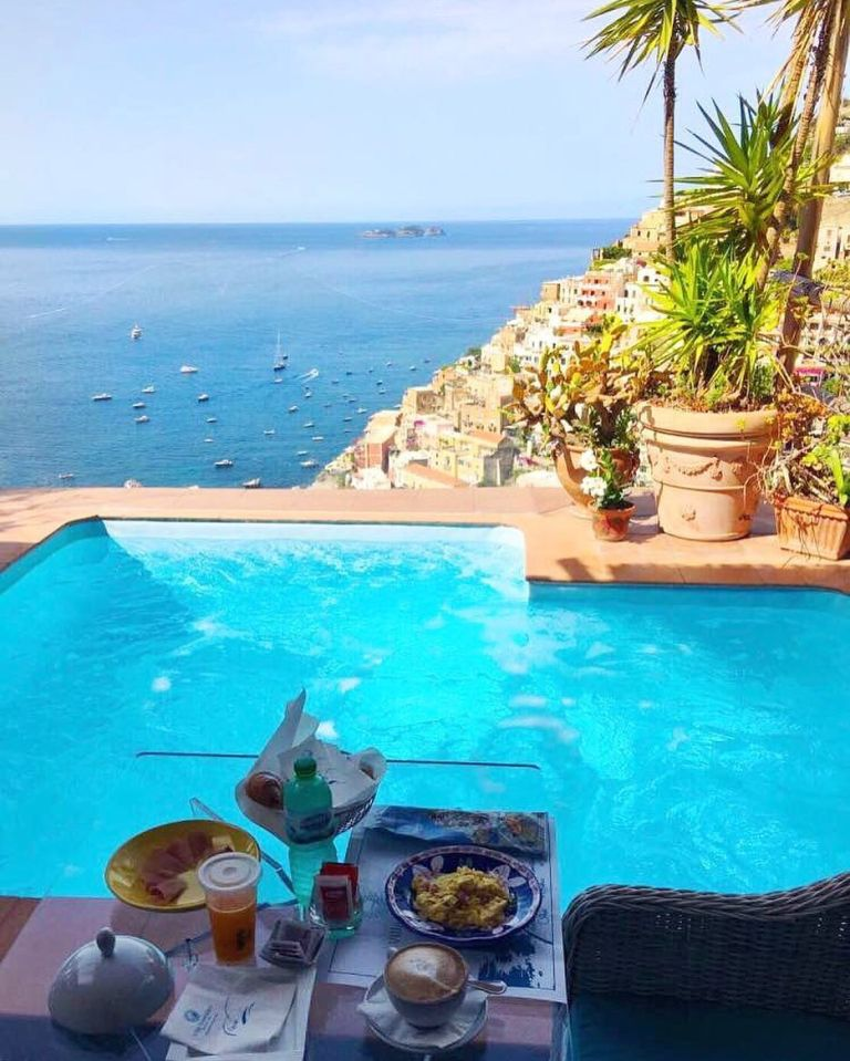 Breakfast with a view 😍😍😍 Amalfi Coast - Italy. Credits ✨@timothysykes