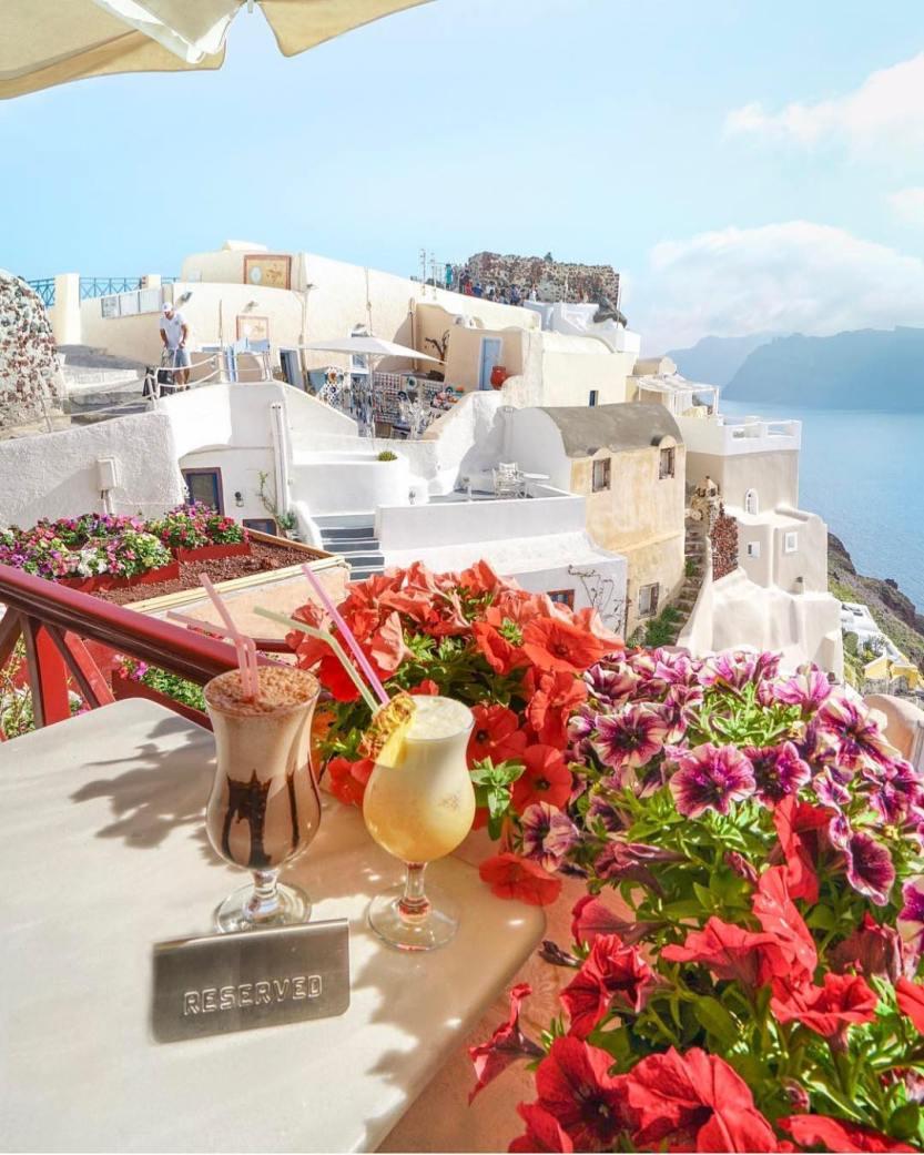 Santorini - Greece ❤️❤️❤️ Credits ✨@michutravel
