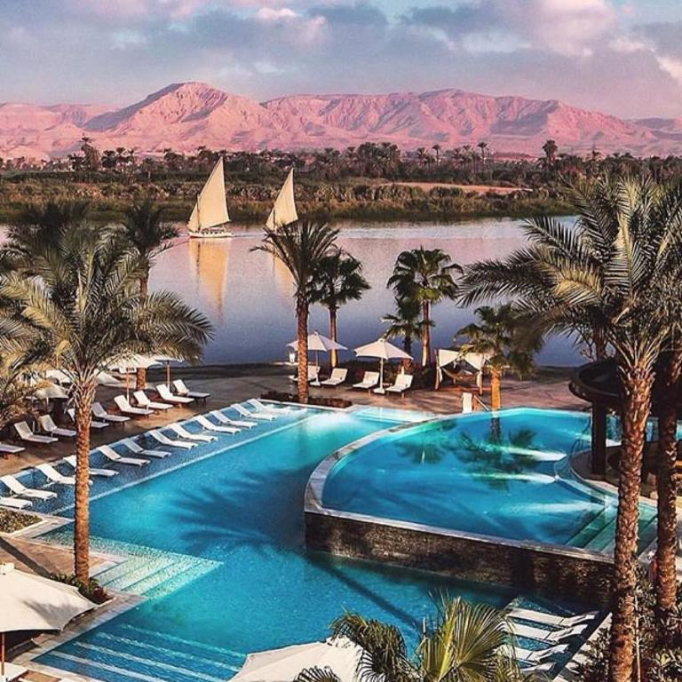 @followtheraven Hilton Luxor resort and spa