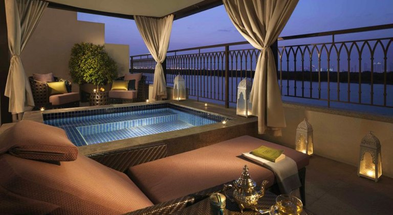 Hotels-private-pool-Abu-Dhabi-Anantara-Eastern-Mangroves-Hotel-Spa
