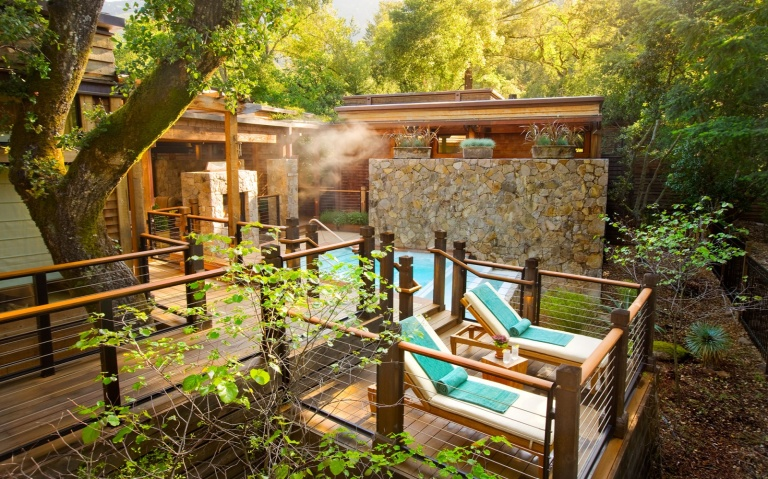 201501-w-worlds-most-romantic-hotels-calistoga-ranch